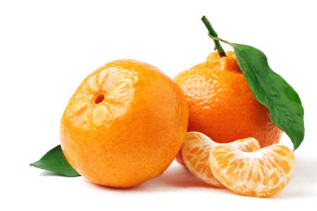 Tangerine with leaf. Mandarin isolated on white. 스톡 콘텐츠