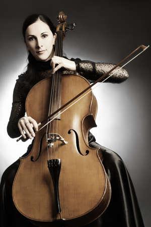 violoncello: Cello musicista, il violoncellista classico strumento musicale