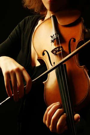 Violine Musikinstrumente Geigerin Händen. Klassische Musiker Orchestermusik spielen
