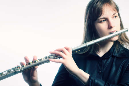 orquesta clasica: Flauta flautista instrumento musical que juega al m�sico de orquesta cl�sica
