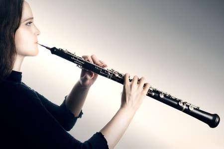 orquesta clasica: Oboe instrumento m�sica m�sico orquesta oboe cl�sico jugando