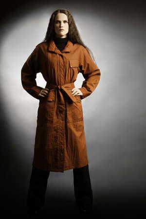 elegante: Imperméable femme de mode de vêtements d'automne en manteau de pluie imperméable à l'eau