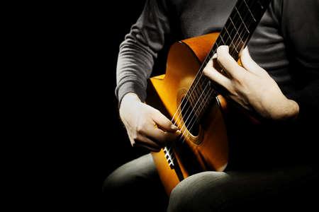 Akustische Gitarre klassischer Gitarrist Spieler Standard-Bild - 56202235