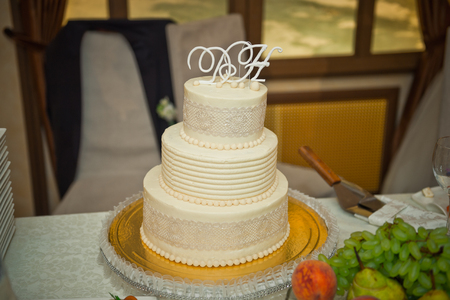Beautiful simple wedding cake.
