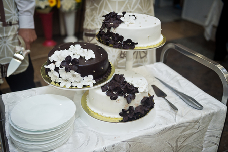 Wedding cake before distributing to the guests.