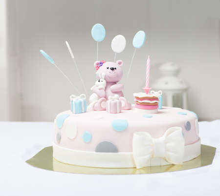 fondant fancy: Cake bear