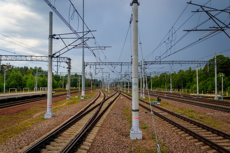 Russian railway in summer. Journey to the railway. Shipping Imagens