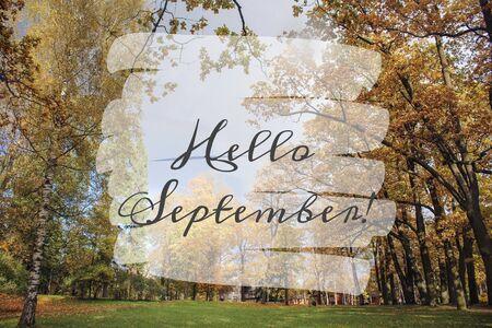Bonjour septembre bannière City Park Banque d'images