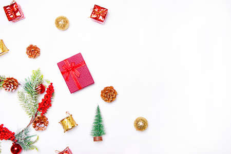 Christmas layout on a white background . Red gifts and fir-tree branches. Christmas and New year. Holiday. Design. Copy space 免版税图像