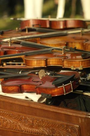 violins: Laing violins on the cimbalom