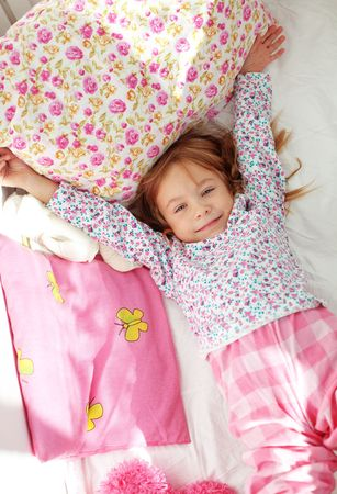 despertarse: Retrato de ni�o despertarse en la ma�ana