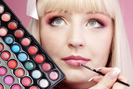 Studio series of doing fashion makeup Stock Photo - 9294965