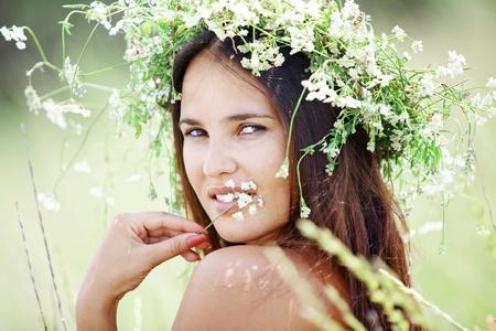 Young beautfiul woman walking outdoors at summer Stock Photo - 9842848