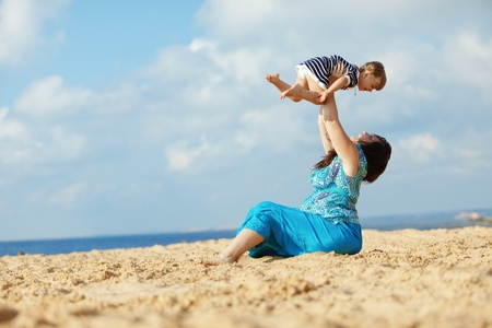 Child playing at the beach Stock Photo - 9967114