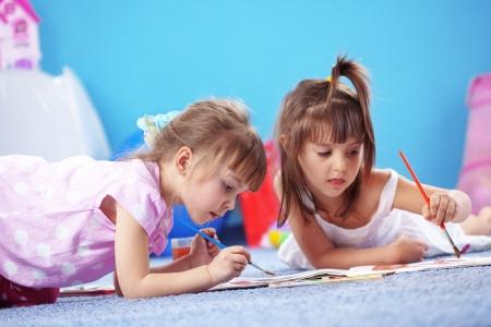 dessin enfants: Les enfants de dessin dans la p�pini�re