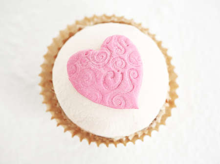 sugar paste: A cupcake with sugar paste pink heart