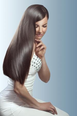 capelli dritti: Ritratto di giovane donna bella con i capelli perfetti Archivio Fotografico