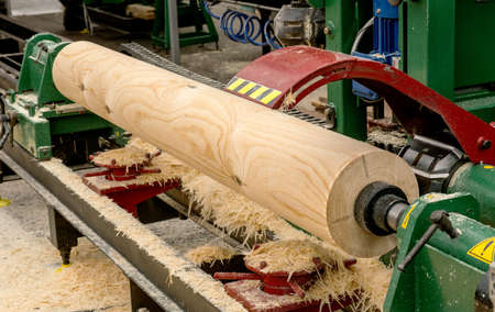 woodworking: Log on the woodworking machine