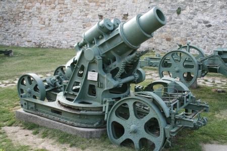 artillery shell: pieza de artiller�a de la Segunda Guerra