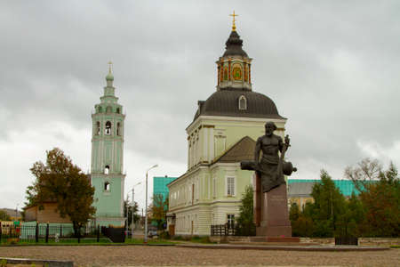 Monument to the first Russian gunsmith against the Church of the Nativity in Tula