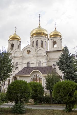 pyatigorsk: Salvatore nella Cattedrale di tempo nuvoloso in Pyatigorsk Archivio Fotografico