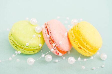 french pastry: Pasteleria Francesa delicado envuelto perlas