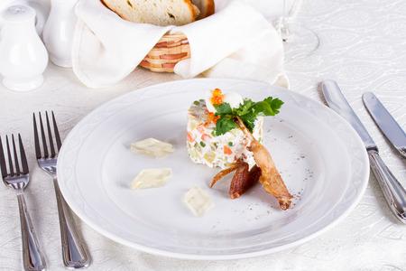 russian salad: Ensaladilla rusa con codornices