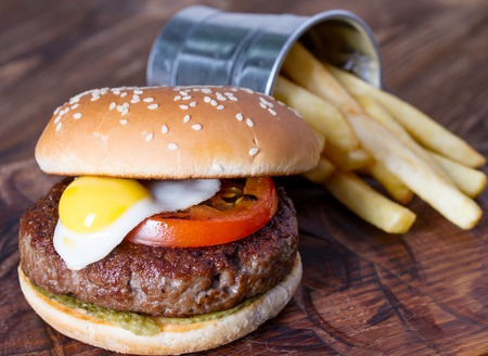 catsup: Hamburger with quail egg and french fries