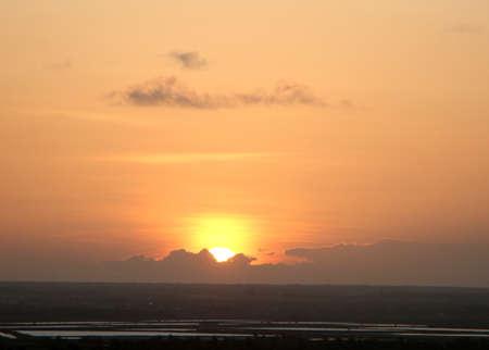 Sunset in Canoa Quebrada beach Standard-Bild - 124555047