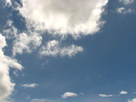 vapore acqueo: Water vapor cWater vapor condenses into cloudondenses into cloud Archivio Fotografico