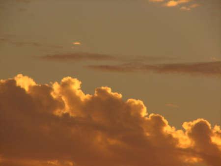 precipitacion: fondo, hermoso, belleza, azul, cielo azul, claro, el clima, la nubosidad, nubes, nubes, nublado, color, cumulonimbus, cúmulo, día, ambiente, velloso, neblina, cielo, alto, paisaje, luz, humedad, naturaleza, al aire libre , nublado, la precipitación, la SCE
