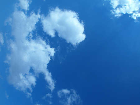 evaporacion: Clouds in the blue sky