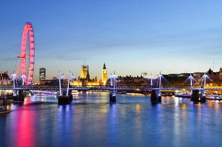 millennium wheel: View of London cityscape including Big Ben and Millennium Wheel