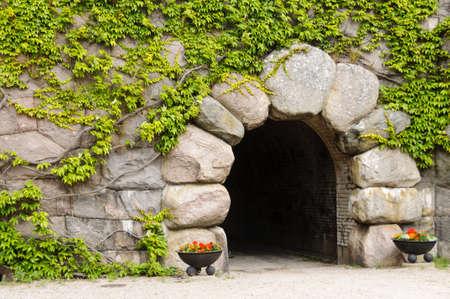 arcos de piedra: Entrada principal a Kungsholm Fuerte en Karlskrona, Suecia