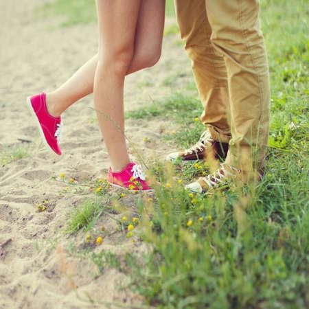 Besar pareja de enamorados Foto de archivo - 25754755