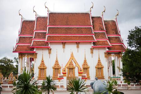 horisontal: Buddhist asian colorful island temple. Phuket province
