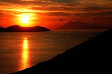 komodo island: Komodo island national park in Indonesia