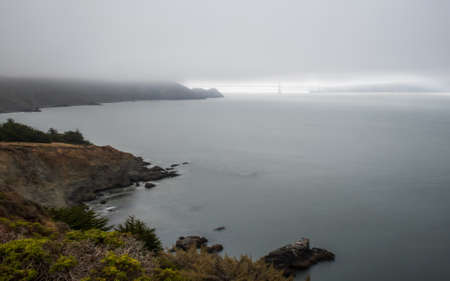 Panoramic view of the Golden Gate Bridge in the morning viewed from Battery Spencer, a Fort Baker site. Stockfoto - 156110790