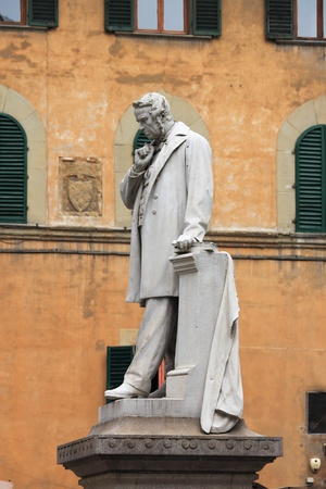Statue of an intellectual in Holy Spirit square of Florence, Italy Stock Photo - 13213592