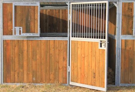 Empty horse stable Standard-Bild