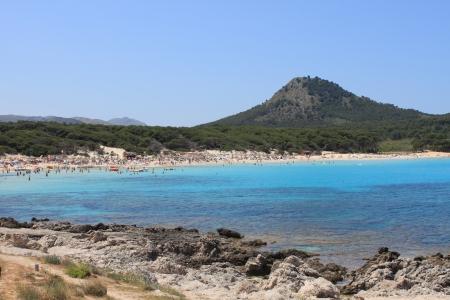 bathers: Cala Agulla Beach a Maiorca, Spagna