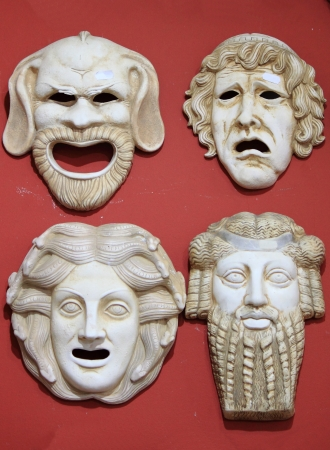 arte greca: Antica Grecia maschere teatrali in pietra di marmo Archivio Fotografico