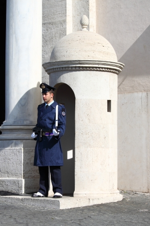 ROME - MARCH 1: Guard stands in the sentry box at Quirinale Palace on March 10, 2012 in Rome, Italy. At 12 noon of every day is possible to watch the changing of the guards ceremony Stock Photo - 15102265