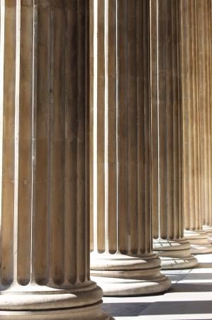 Games of perspective in a renaissance colonnade Archivio Fotografico