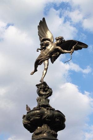 eros: Statua di Eros a Piccadilly Circus, Londra