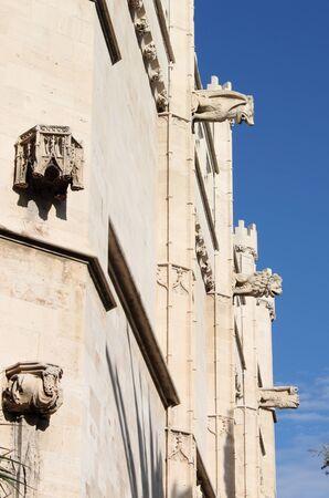 gargouilles: Gargouilles � La Lonja monument � Palma de Mallorca, Espagne Banque d'images