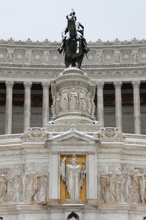 emmanuel: Victor Emmanuel II monument under snow in Rome, Italy