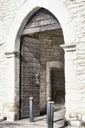 Porta del Loco San Francesco Gate or City Gate. The main gate of the San Marino old town 스톡 콘텐츠