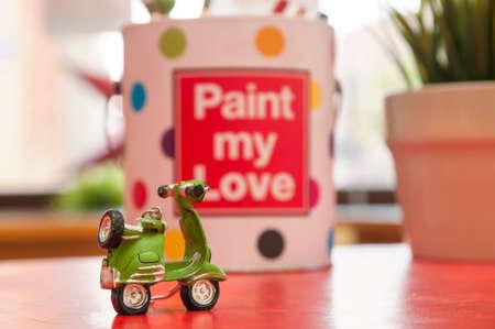 vespa piaggio: Verde Vespa e l'amore Archivio Fotografico