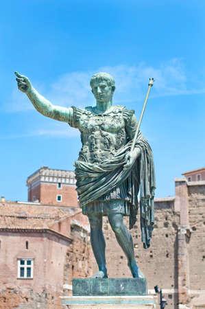 ローマ皇帝アウグストゥスの像。 写真素材